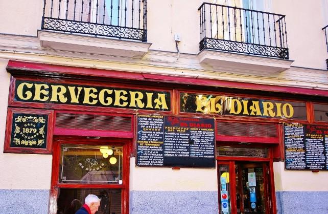 W hiszpańskich barze Madryt