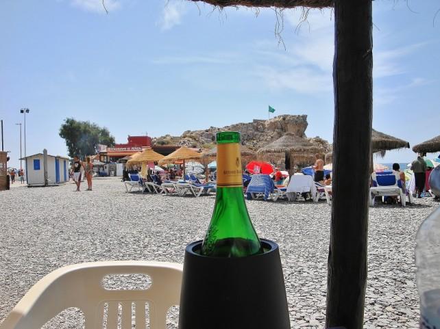W hiszpańskim barze, na plaży