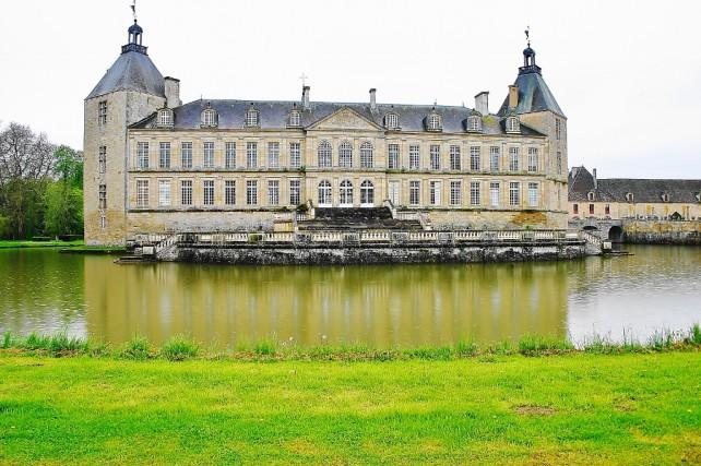 Sully, Autun, opactwo Fontenay