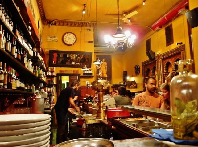 Jak podróżować z głową cz.2, w hiszpańskim barze