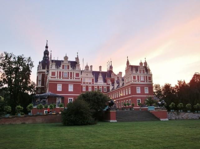 Pałac o zachodzie słońca