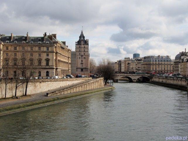 Paryż Gdzie pojechać w lutym
