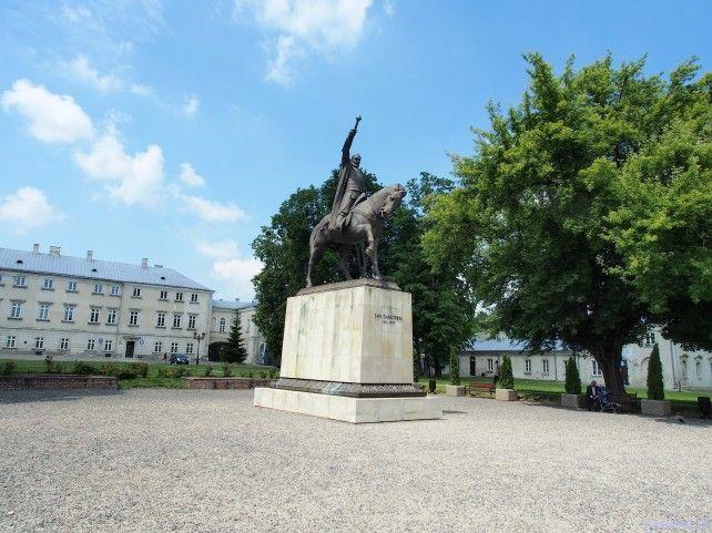 Zwiedzanie Zamojszczyzny Zamość pomnik Jana Zamoyskiego