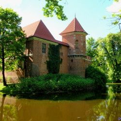 Łódzkie zamek w Oporowie