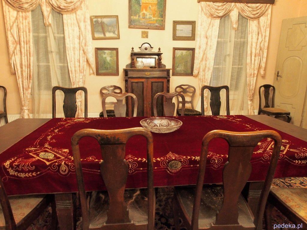 jadalnia w dworze Cieszkowskich Skansen w Suchej