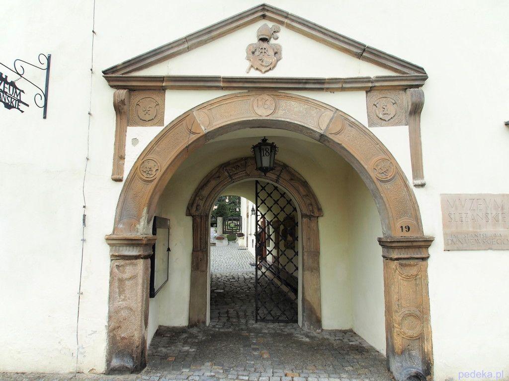 Góra Ślęża, muzeum w Sobótce
