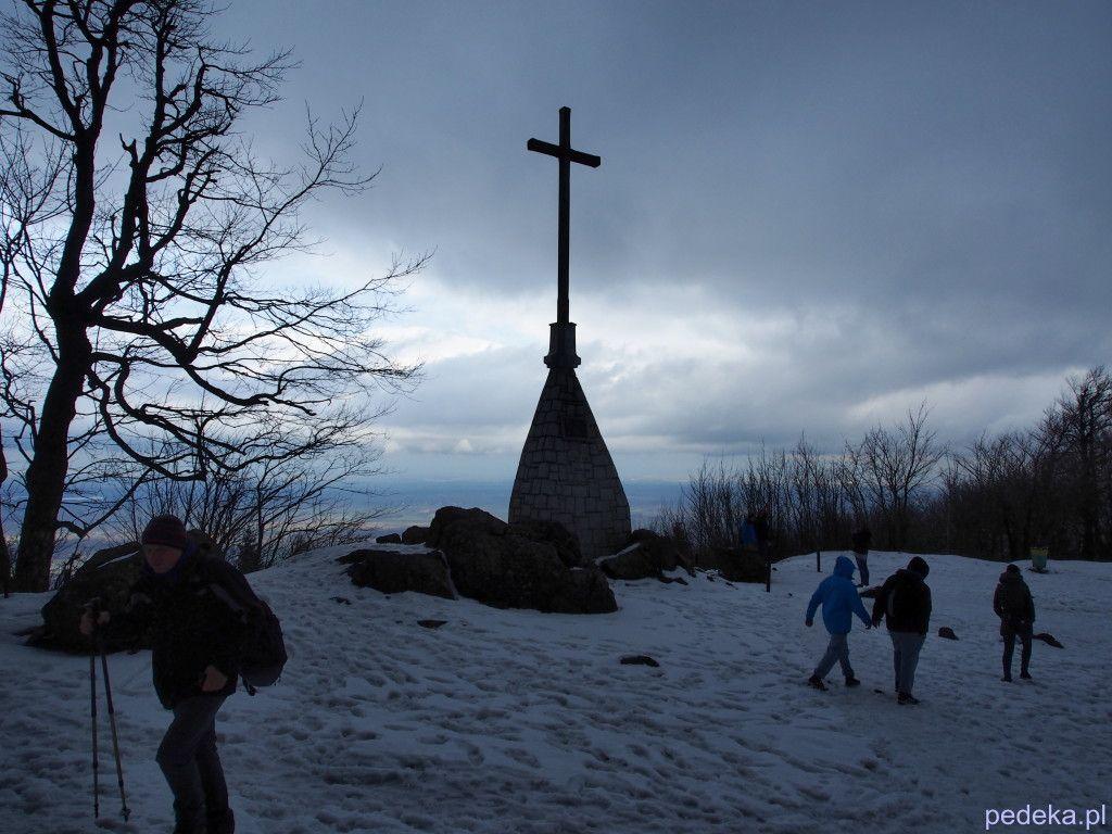 Góra Ślęża krzyż na szczycie