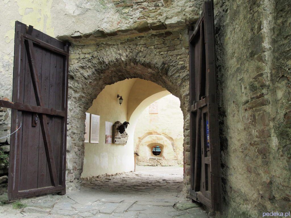 Zwiedzanie zamku w Starej Lubowni