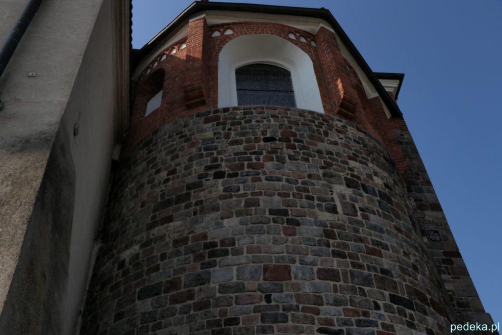 Część romańska kościoła w Mogilnie