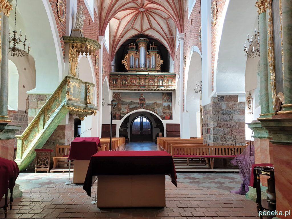 Widok kościoła od strony ołtarza