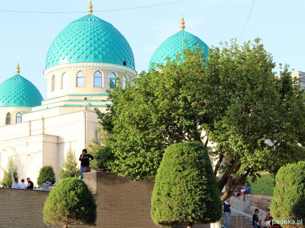 Meczet niedaleko bazaru