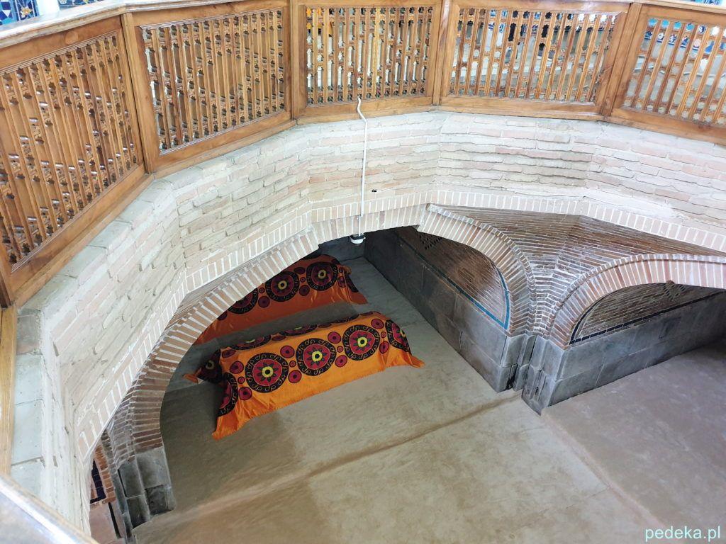 Samarkanda dzień ostatni. Groby wewnątrz mauzoleum