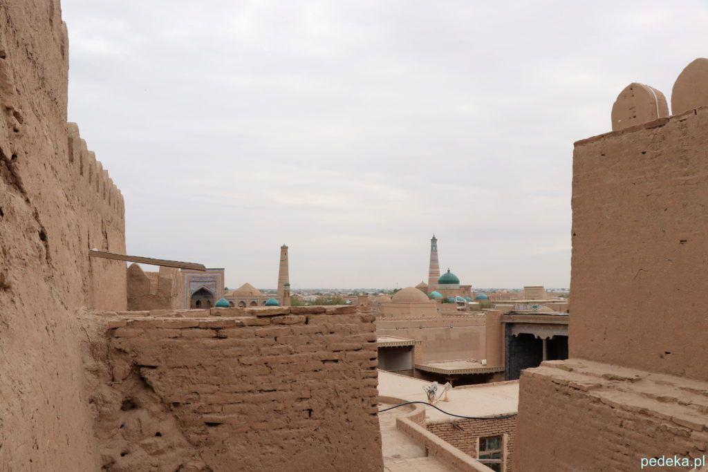Zwiedzanie Chiwy. Widok z bastionu