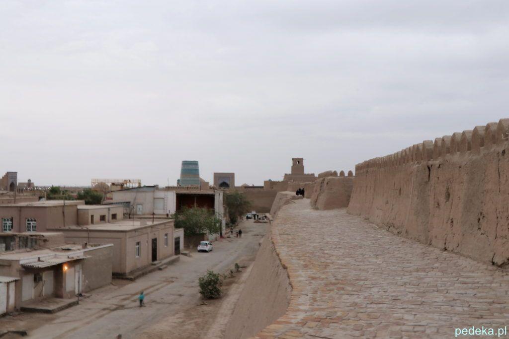 Zwiedzanie Chiwy. Na murach