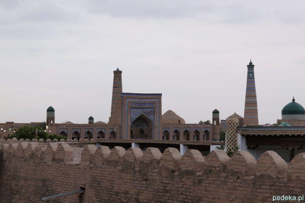 Zwiedzanie Chiwy. Widok z murów