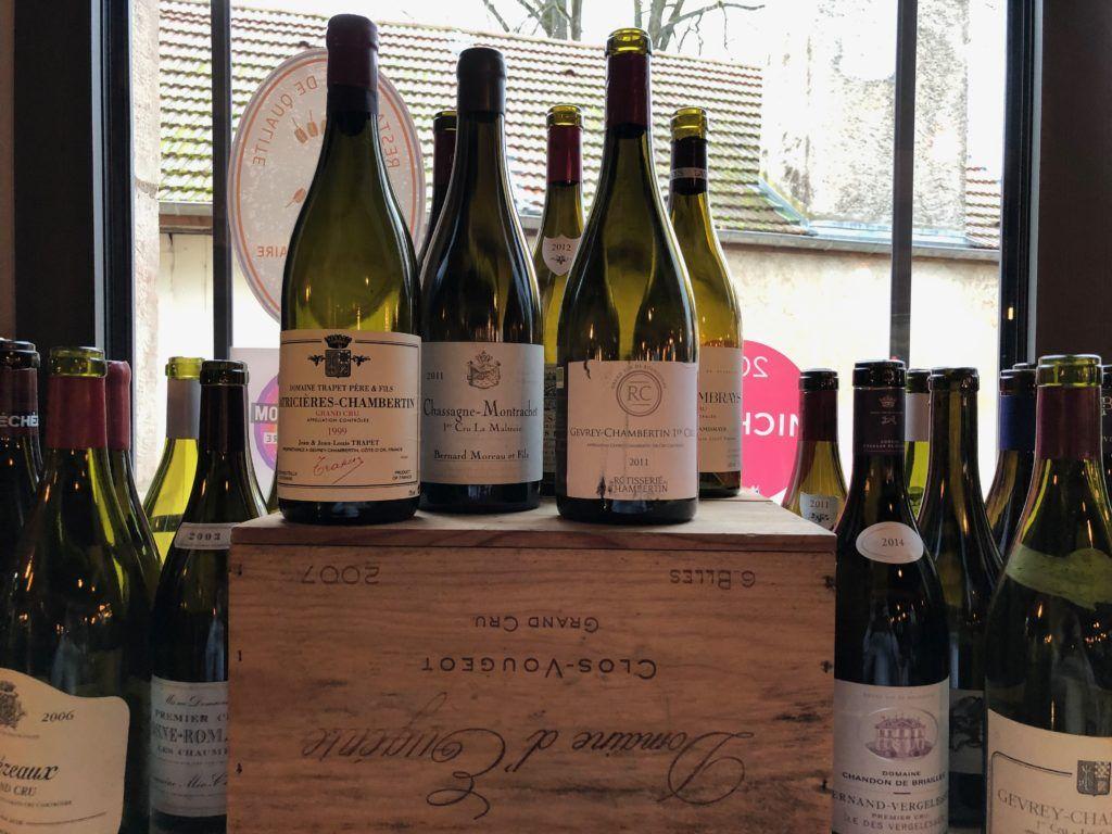Butelki po burgundzkich winach
