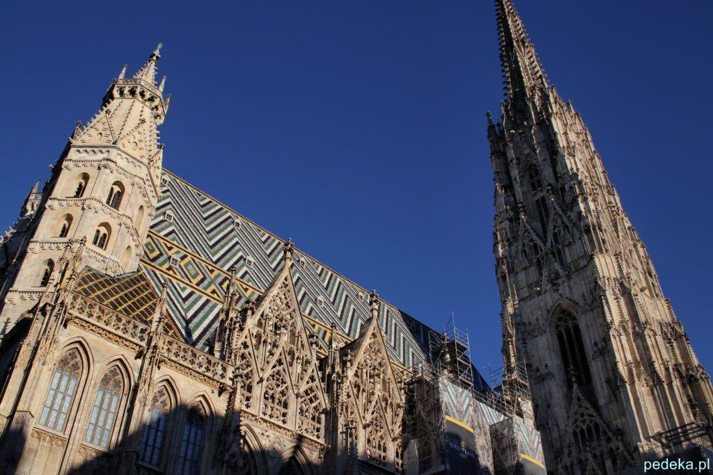 Jeden dzień w Wiedniu. Dach katedry