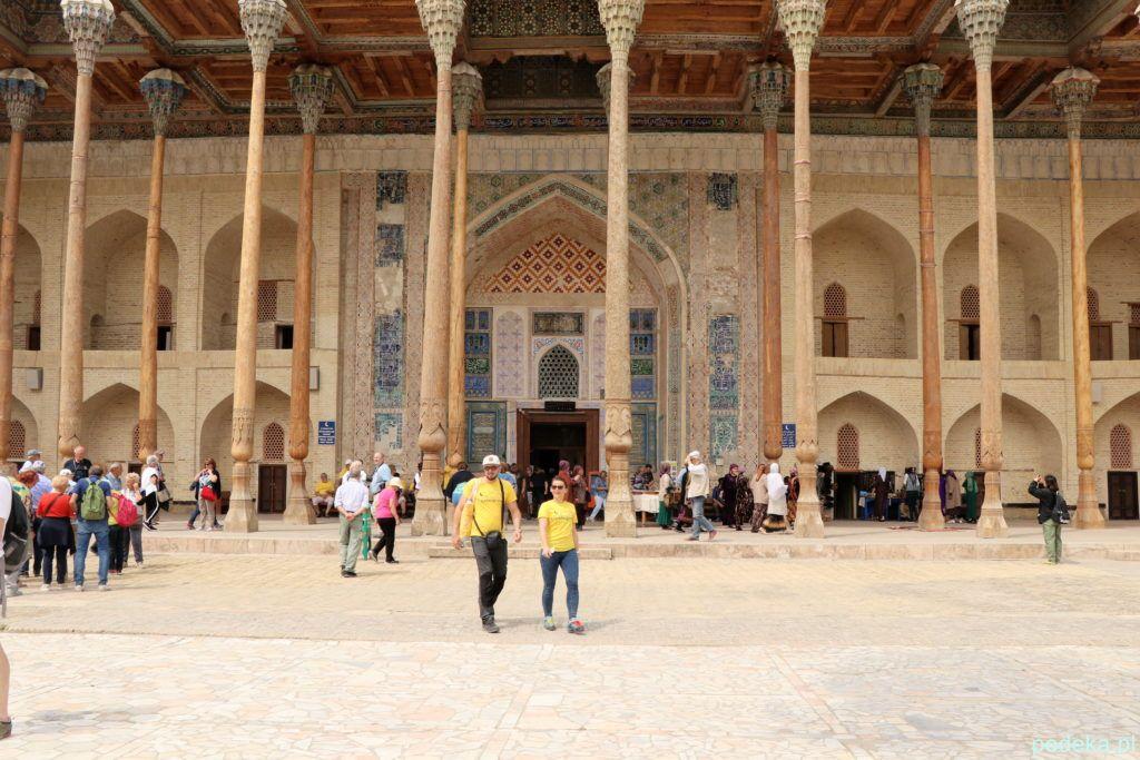 Wejście do meczetu Bala Hauz