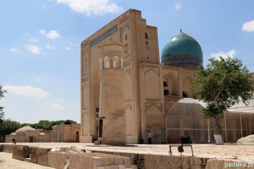 Wycieczka po okolicach Buchary. Minaret i meczet