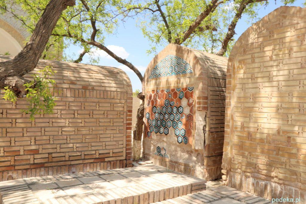 Wycieczka po okolicach Buchary. Stare grobowce