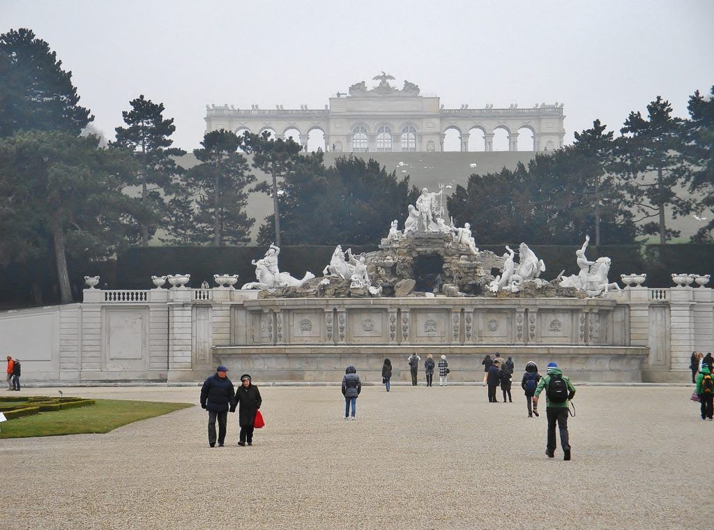 Jeden dzień w Wiedniu. Fontanna Neptuna i Glorietta