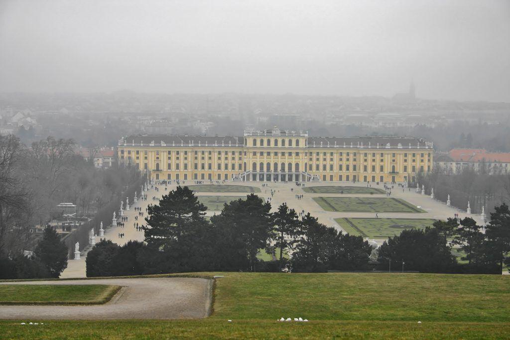 Jeden dzień w Wiedniu. MIasto we mgle