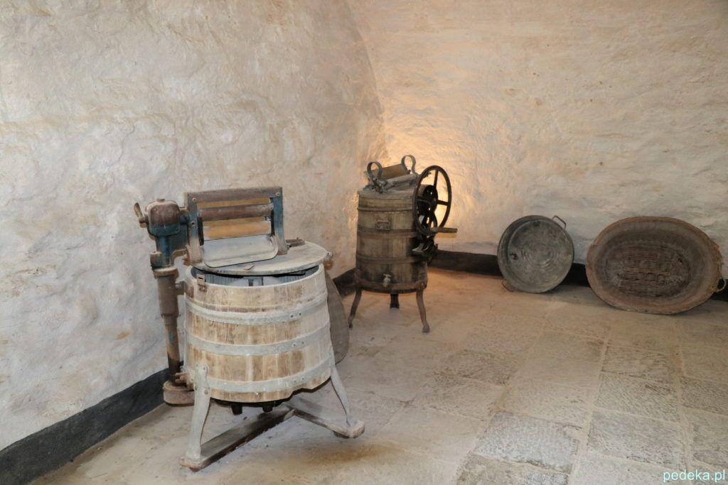 Dawna pralnia w piwnicy pałacu
