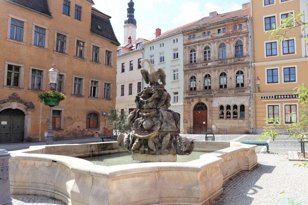 Żytawa, fontanna z łabędziem