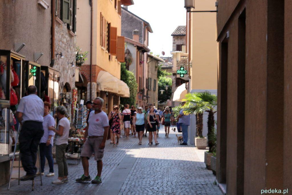 Główna ulica w Sirmione