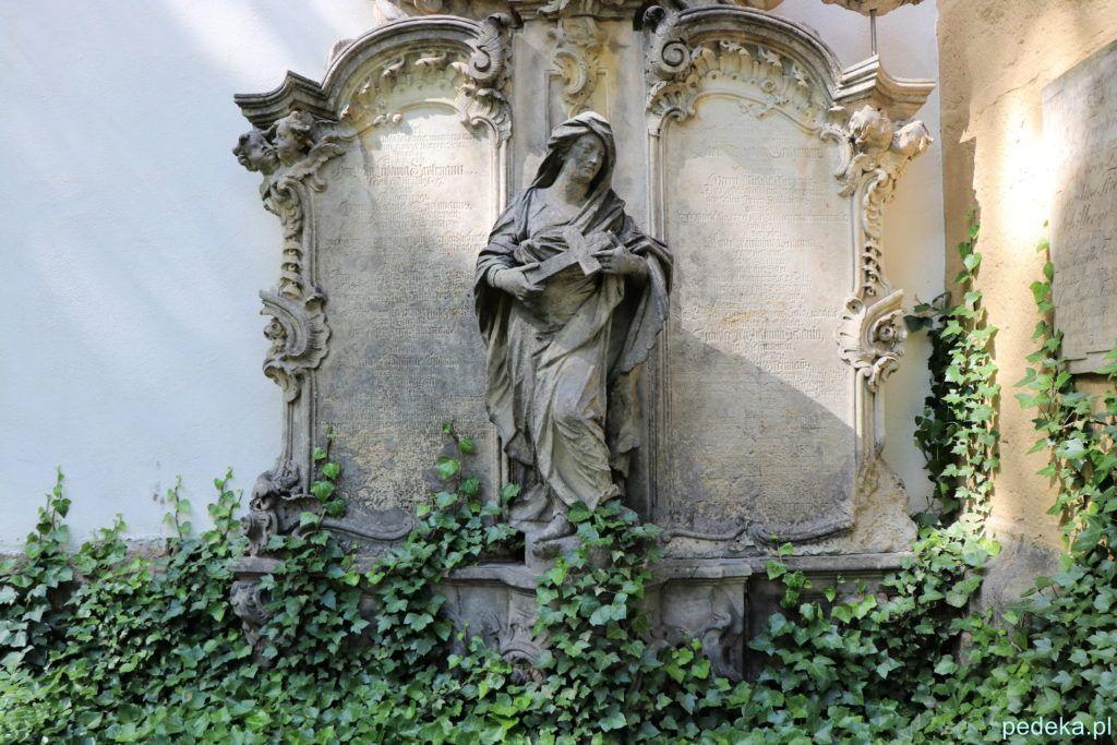 Żytawa, jeden z nagrobków