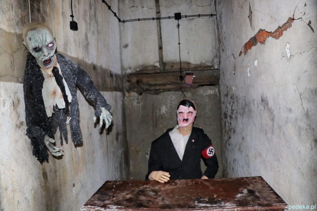 Mamerki. Kukła przedstawiająca Adolfa Hitlera