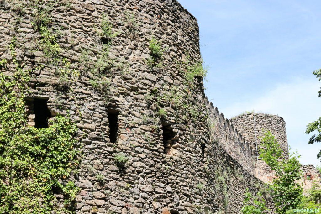 Mury zamkowe