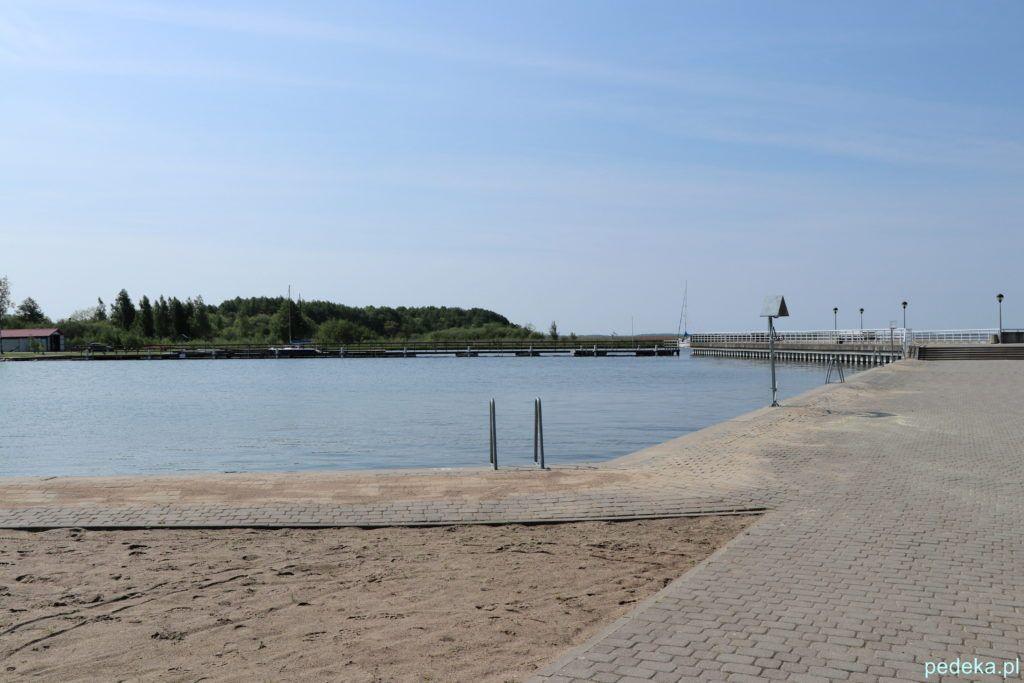 Węgorzewo, miejska plaża nad jeziorem Mamry