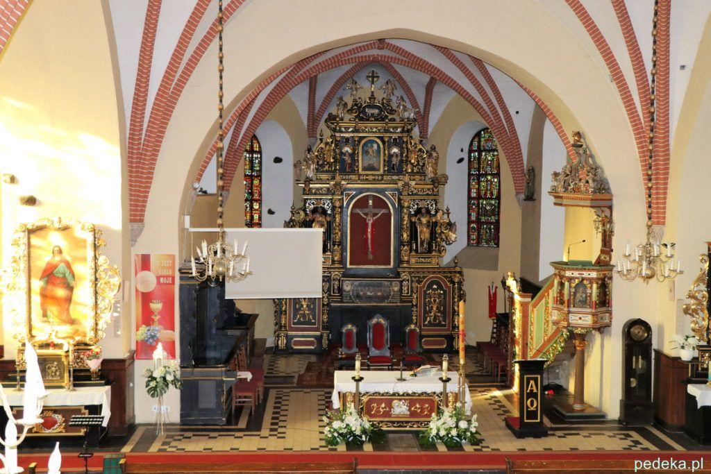 Węgorzewo. Wnętrze kościoła widziane z chóru