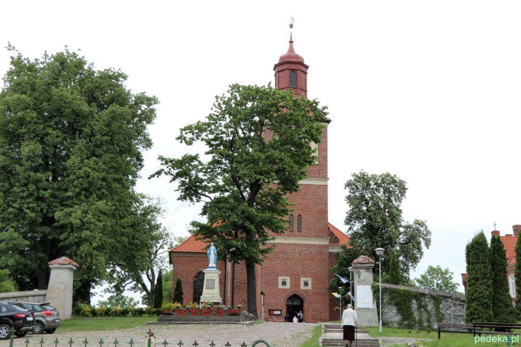 Węgorzewo. Kościół z zewnątrz