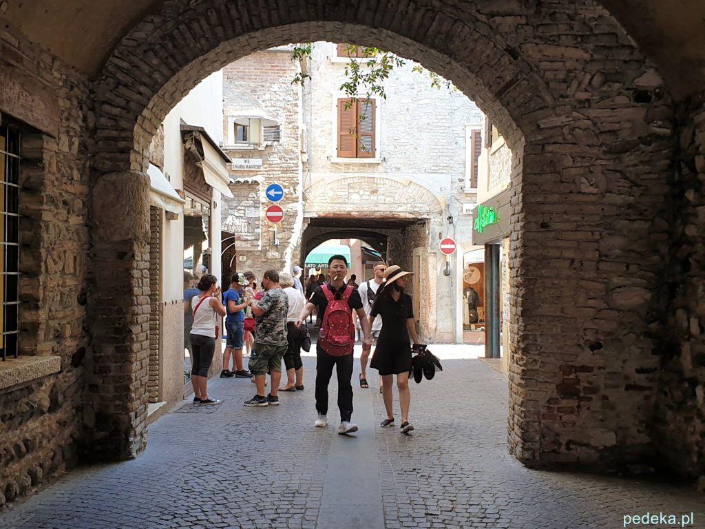 Stare bramy w Sirmione