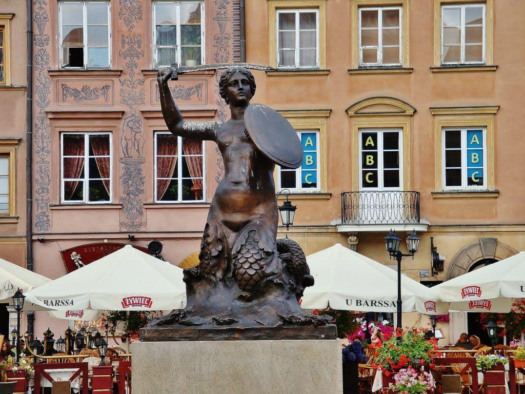 Weekend w Warszawie. Syrenka na Rynku Starego MIasta