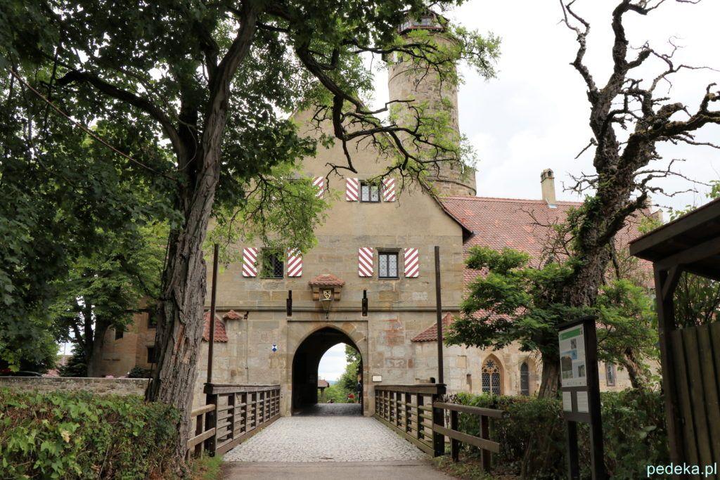 Alterburg. Wejście do zamku