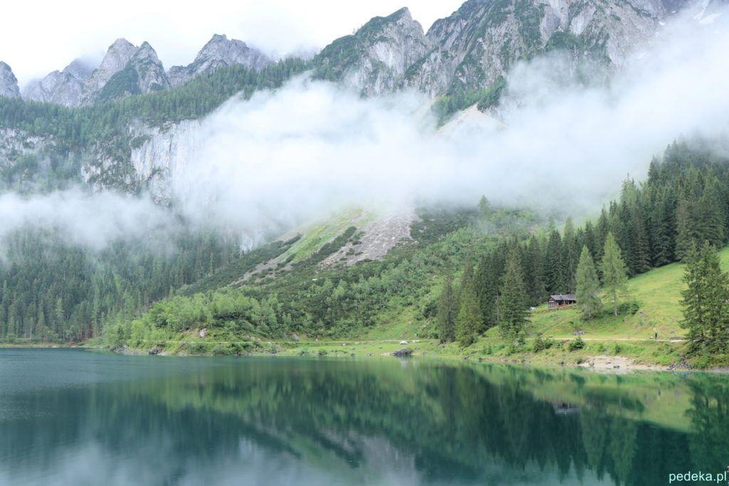 Malownicze chmury nad jeziorem Gosau