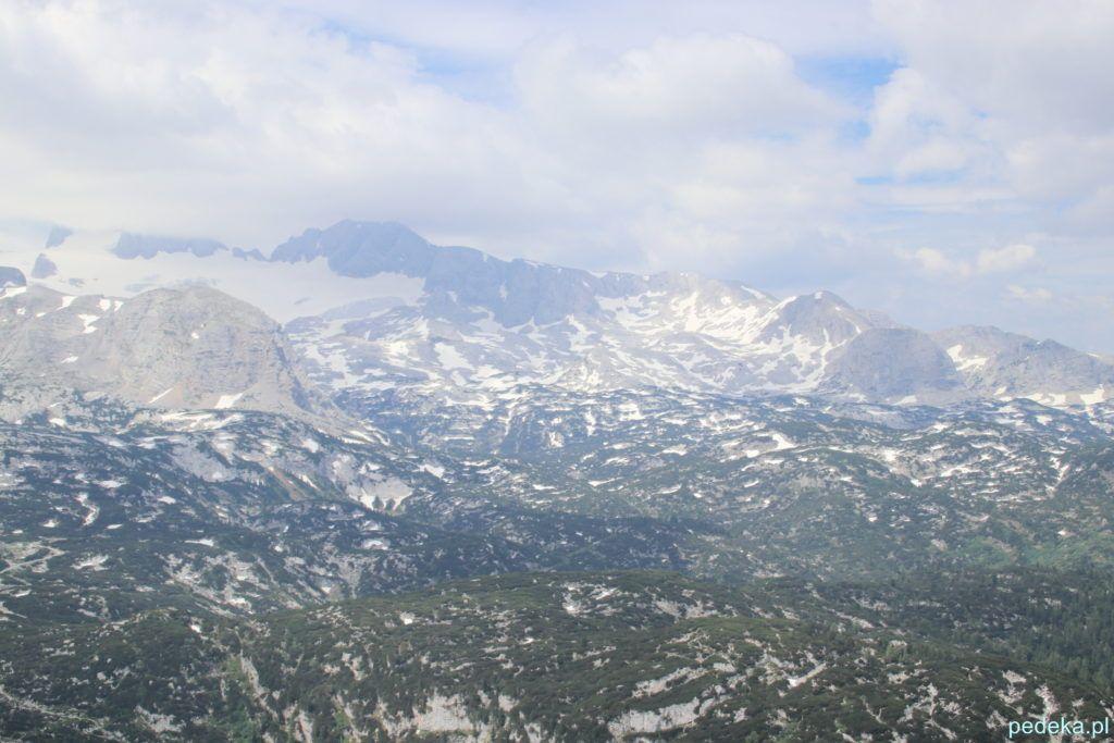Dachstein Krippenstein. Widok na ośnieżone szczyty