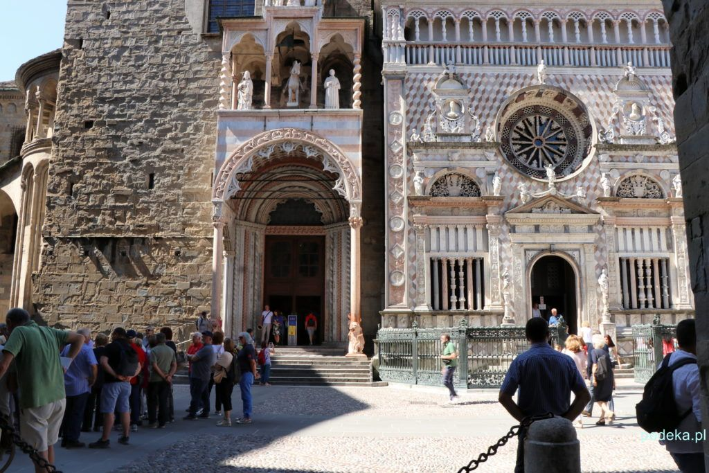 Bergamo. Wejście do kościoła Santa Maria Maggiore i do kaplicy