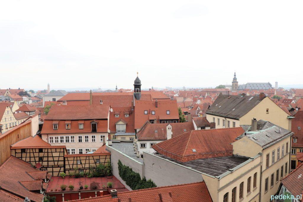 Bamberg. Widok na stare miasto z ogrodu różanego