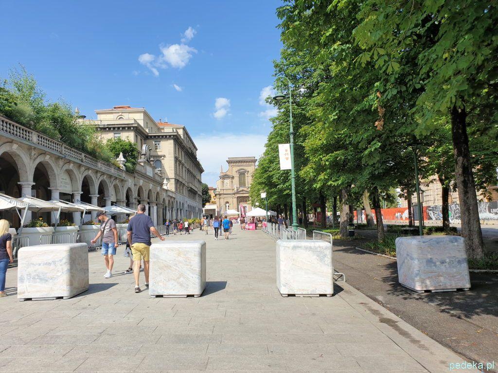 Bergamo. Aleje dolnego miasta