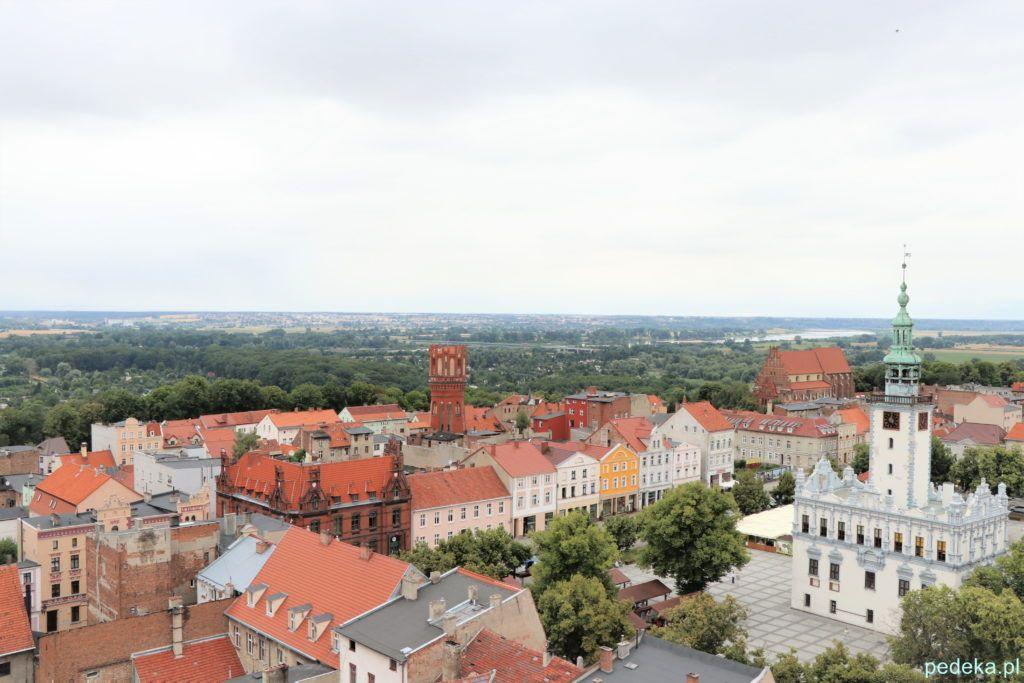Chełmno. Ratusz i Rynek widziany z kościelnej wieży