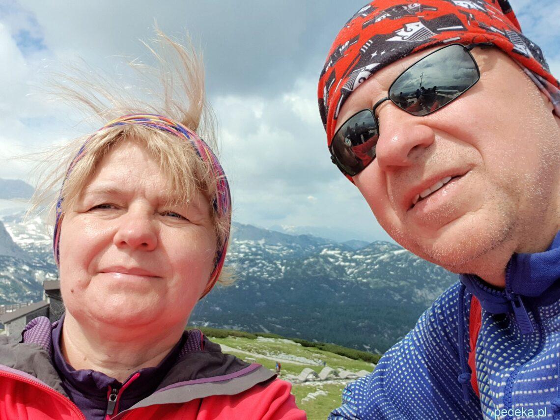 Selfik z górami w tle