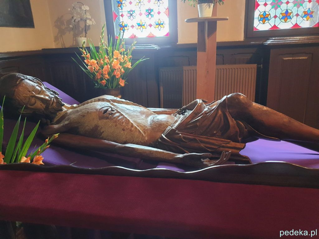 Figura Chrystusa w klasztornym kościele