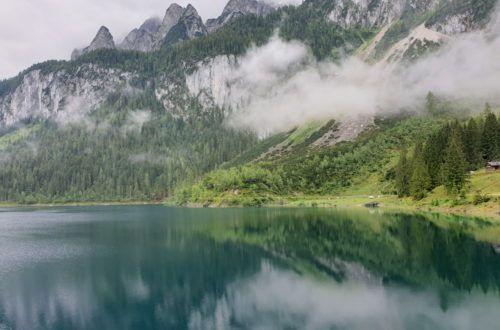 Z chmur zaczęły się wyłaniać szczyty Dachstein