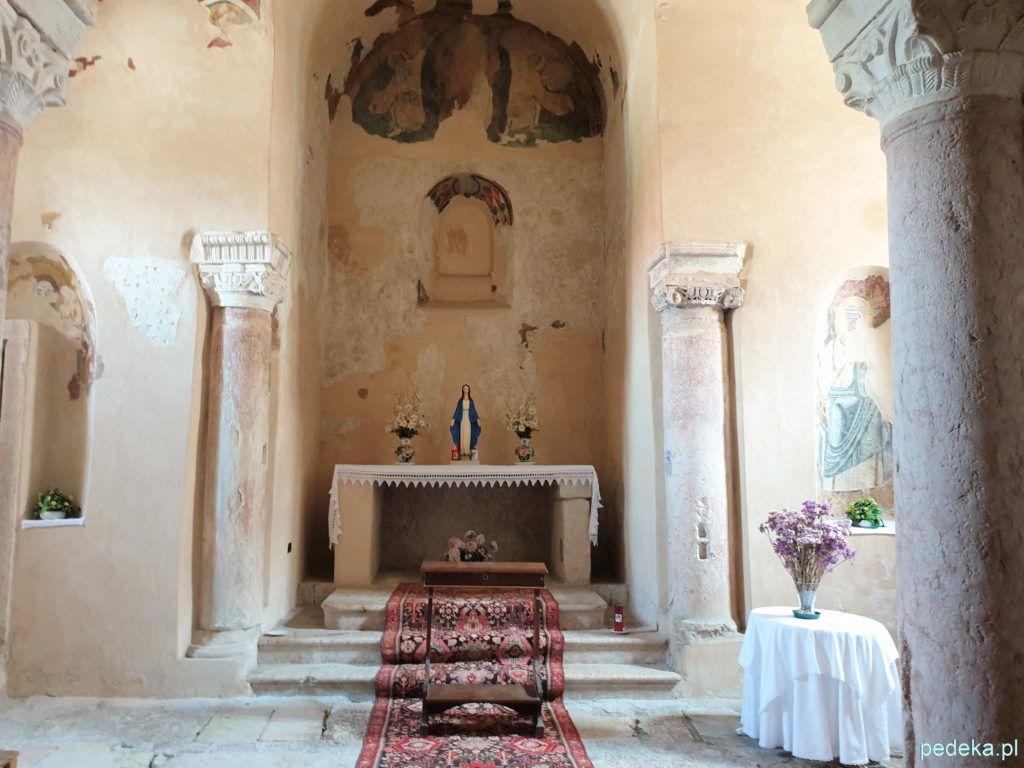Wnętrze kościoła św.Zenona