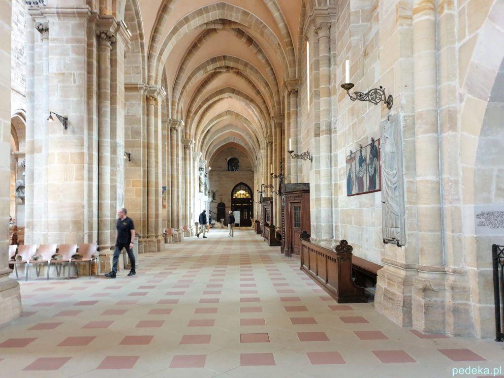 Nawa boczna w katedrze w Bambergu