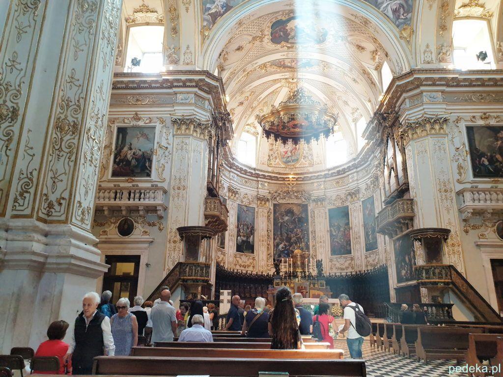 Wnętrze katedry w Bergamo